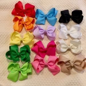 14 Bows- 4.5 inch Bows with Alligator Clips